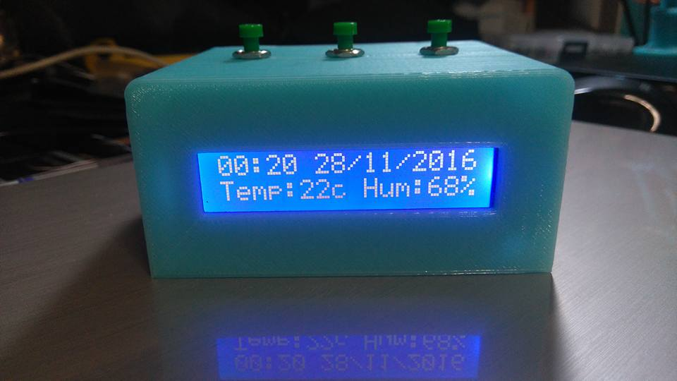Arduino Digital clock and thermometer - Ardumotive Arduino